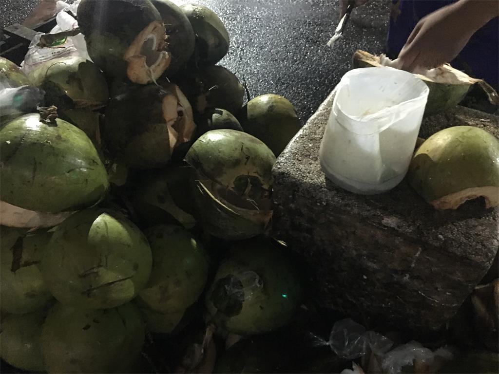 宿务新鲜椰汁椰肉